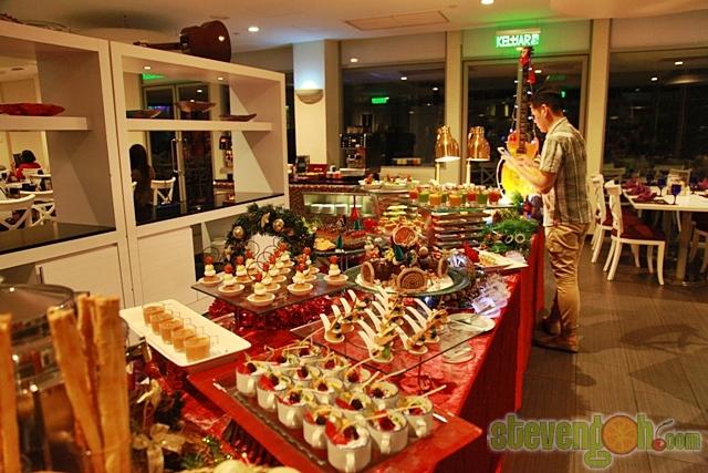 christmas_eve_rockn_roll_buffet1