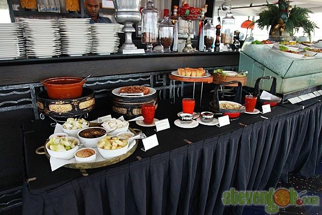 Three_Sixty_Revolving_Restaurant20