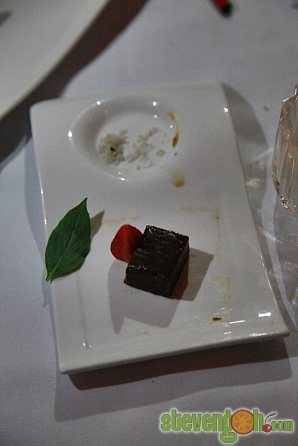 Suffolk _House_Fine_Dinning47